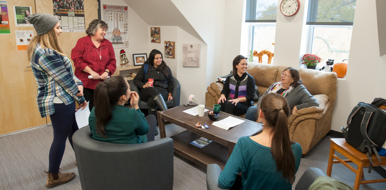 Students, faculty and staff enjoy the new Student Experience Hub