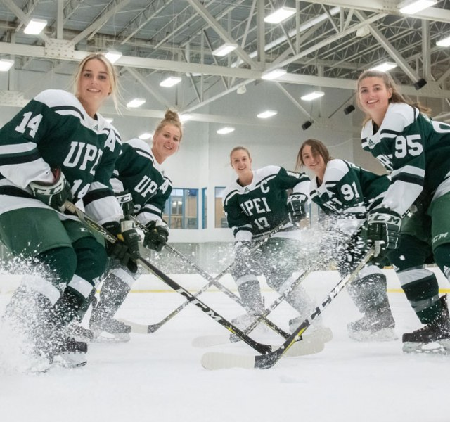 Women Hockey Players